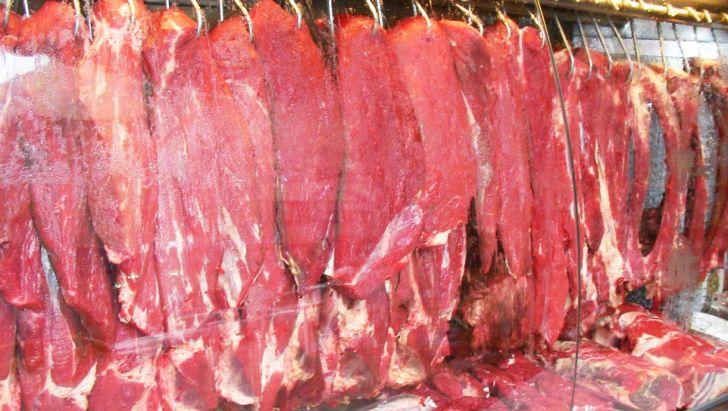 ترخیص ۲ میلیون و ۵۱۵ هزار کیلوگرم گوشت قرمز از گمرکات کشور