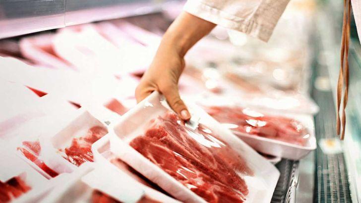 عرضه گوشت و مرغ در بازار افزایش مییابد