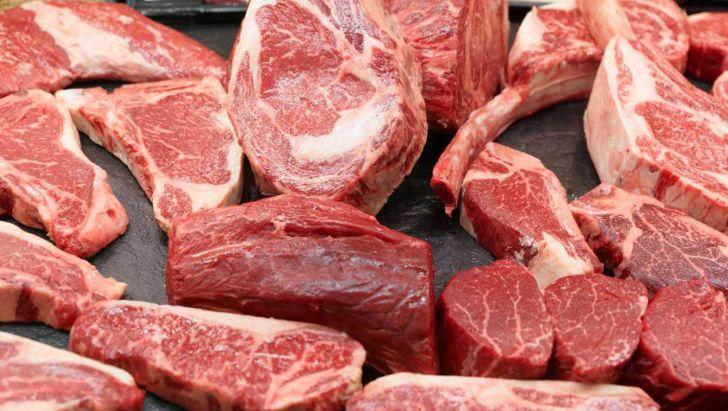 نیاز سالانه به گوشت قرمز بیش از ۹۵۰ هزار تن است
