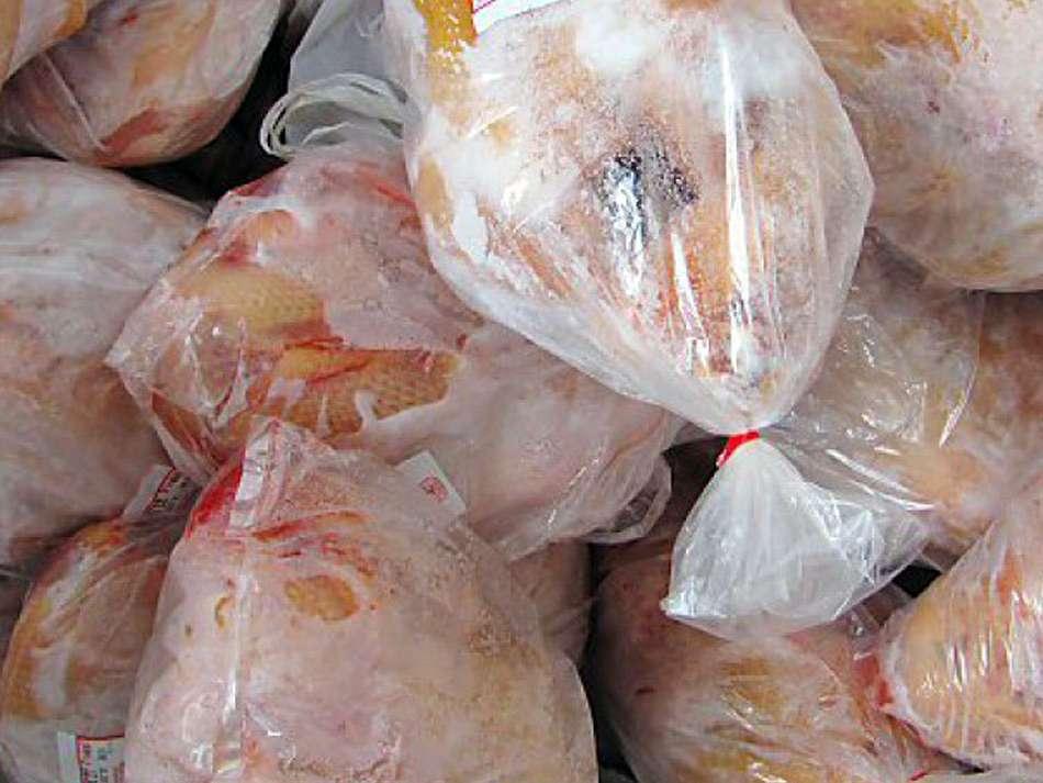 عرضه مرغ منجمد تیر خلاصی به صنعت مرغداری