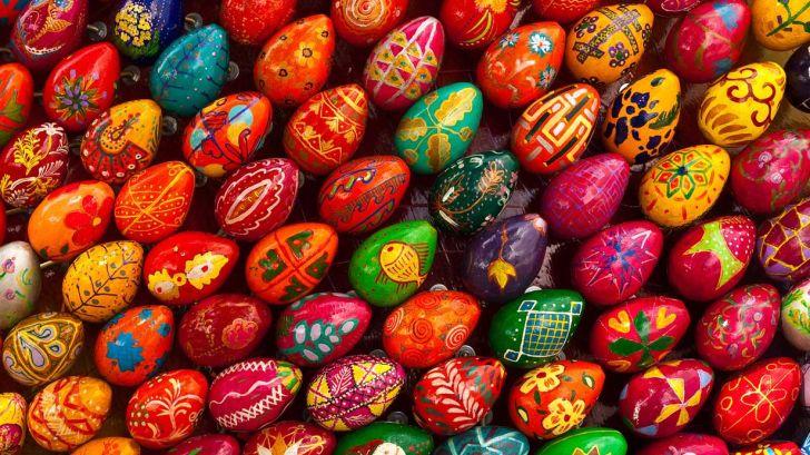 تخم مرغ های رنگی سفره هفت سین نشانه چیست؟