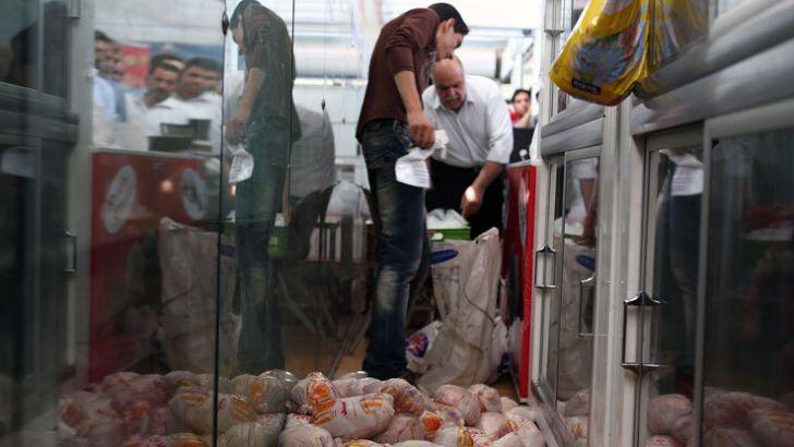 مرغ با قیمت مصوب به مغازه داران نمی رسد