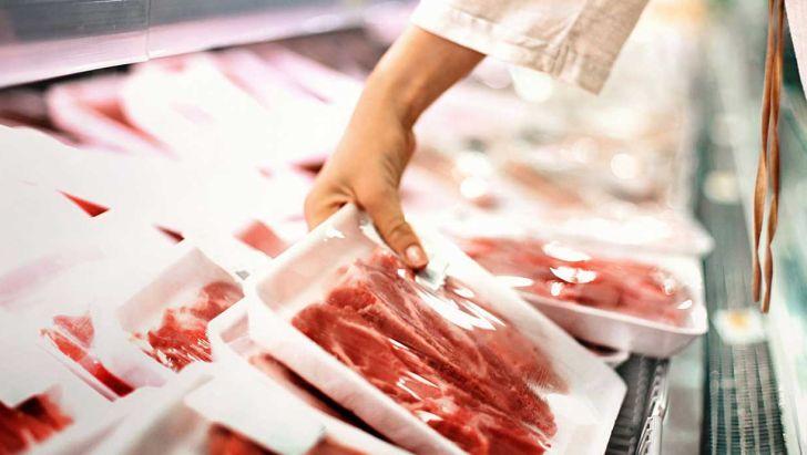 توزیع گوشت گرم استرالیایی در بازار